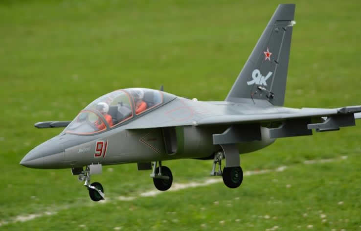 Freewing Yak-130  Grey Super Scale 90mm EDF Jet